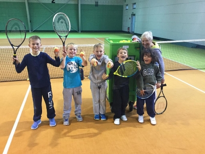 Bild 0 von Saisonabschluss beim Juister Tennisclub mit Einweihung der neuen Ballwurfmaschine