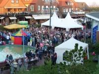 Bild 0 von Niederländer heizten beim Abschlusskonzert heftig ein