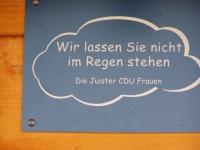 Bild 1 von CDU-Frauenvereinigung spendete Wetterschutzhäuschen an der Billstraße