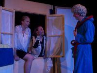 Bild 1 von Theater AG der Inselschule brachte Dreiakter auf die Bühne