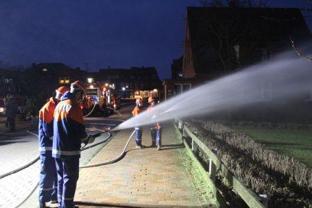 Bild 0 von Feuerwehr ebenfalls erstmalig beim Lebendigen Adventskalender dabei