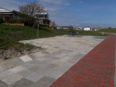 Bild 0 von Fläche für Fahrradständer am Flugplatz wird vergrößert