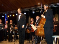 Bild 4 von Standing Ovations für ein fünf Tage altes Orchester