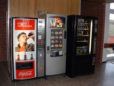 Bild 0 von Automaten sorgen für Versorgung am Flugplatz