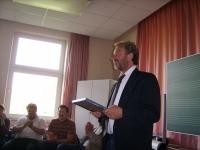 Bild 1 von Realschulrektor Martin Tecklenburg verabschiedet sich von der Inselschule Juist