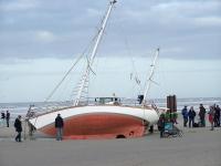 Bild 1 von Toter am Kalfamer war Eigner der gestrandeten Yacht
