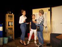 Bild 7 von Theater AG der Inselschule brachte Dreiakter auf die Bühne