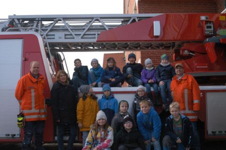 Bild 0 von Grundschule besucht Inselwehr