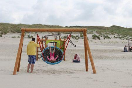 Bild 0 von Neue Strandspielgeräte für die jüngsten Inselgäste