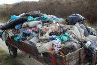 Bild 3 von Sechs volle Anhänger mit Müll wurden am Kalfamer entfernt