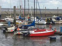 Bild 3 von Motorboot brannte im Sportboothafen