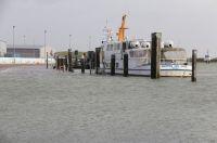 Bild 0 von Defekte Eisenbahnbrücke in Emden stellt Ausflugsschiff vor Probleme