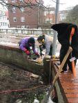 Bild 0 von Winterzeit ist Bauzeit: Kirchhofsmauer wurde von Frauen abgebaut
