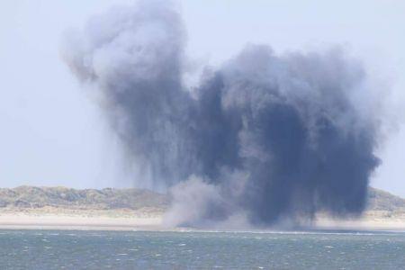 Bild 0 von Inselfeuerwehr sicherte Torpedosprengung am Kalfamer