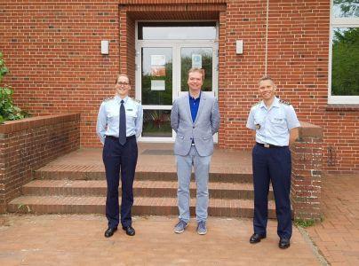 Bild 0 von Jugendoffiziere der Bundeswehr zu Besuch in der Inselschule