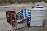 Bild 3 von Windhose über Juist richtete großen Schaden am Strand an
