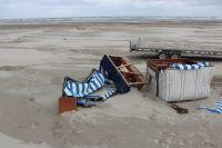 Bild 4 von Windhose über Juist richtete großen Schaden am Strand an